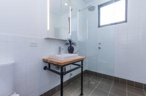 White Road bathroom